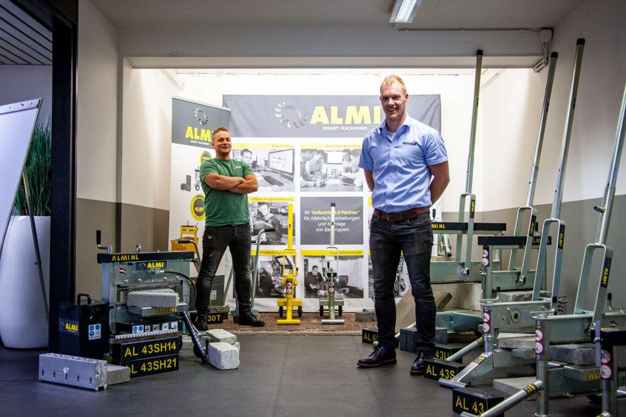 Bjorn Kuipers van ALMI en Kevin Ruiterkamp van Schipper