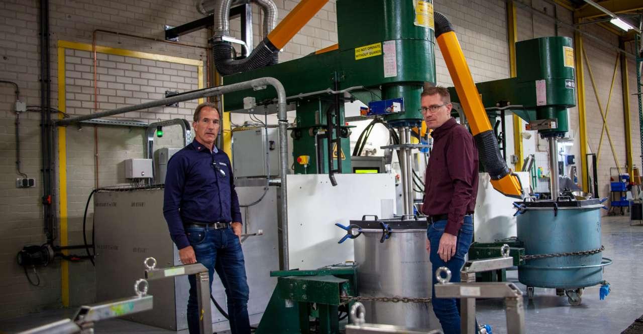 Wim ter Keurs en Pascal Elslo bij de twee mengers
