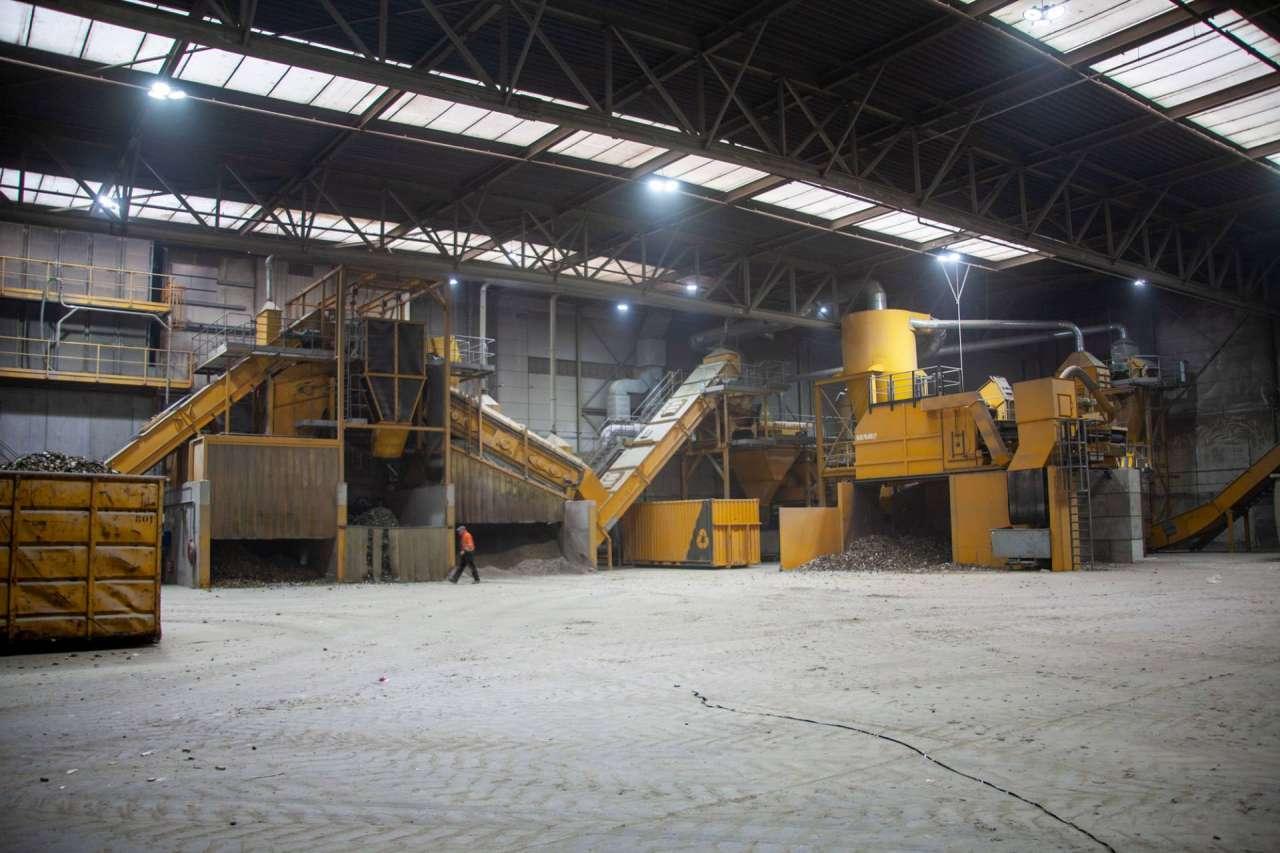 De enorme shredder van Langezaal